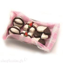 Miniature vitrine plateau chocolats
