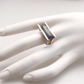 bague-fantaisie-en-argent-rhodie-angulaire-t52-bijou-createur-camille-et-camille-ref-01052