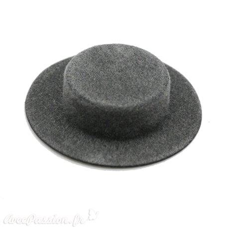 Miniature vitrine chapeau gris 4x1.5cm