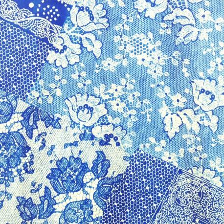 Feuilles décopatch motifs dentelle bleu et blanche