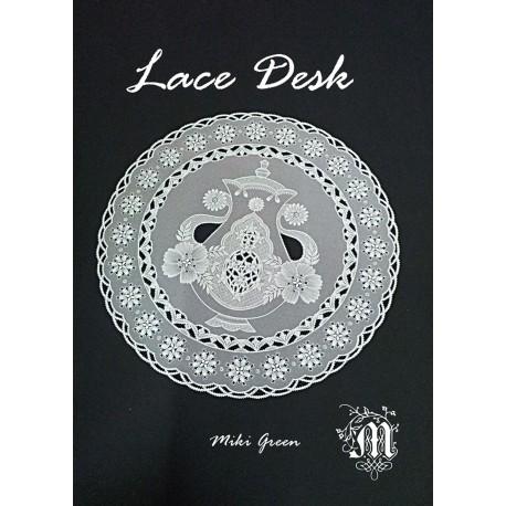 Livre Pergamano Magic Lace Desk in Parchment Craft Miki Green