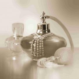 Carte d'art parfum de femme noir et blanc