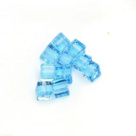 Perles Swarovski cube bleu aigue marine 4 mm