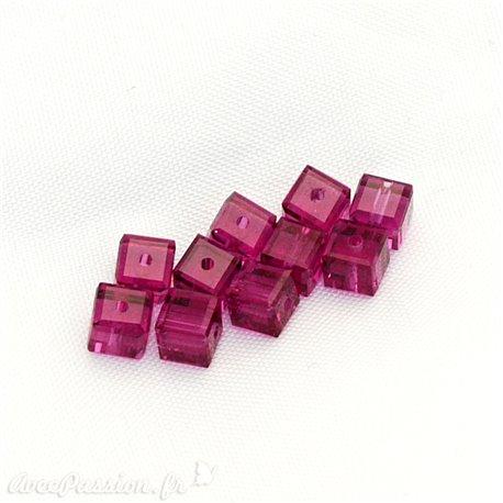 Perles Swaroski cube rose fushia 4 mm