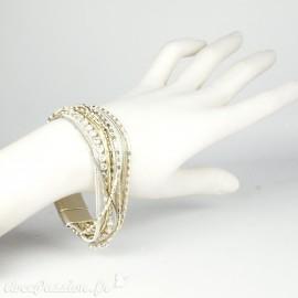 Bracelet Cheny's aimanté multi-rangs bohème chic gris, blanc et doré - attache en métal argent