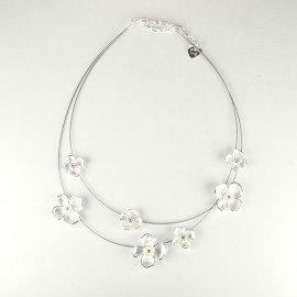 Colliers Cheny's argent fleurs