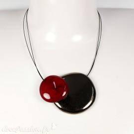 Collier fantaisie créateur Marie Pastorelli aimanté bronze et rouge cerise