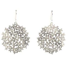 Boucles d'oreilles percées métal RAS argent grandes fleurs hortensia