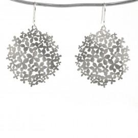 Boucles d'oreilles percées métal RAS argent petites fleurs hortensia