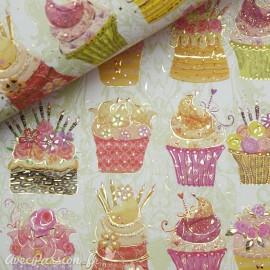Papier Turnowsky motifs cupcakes rehaussé de doré