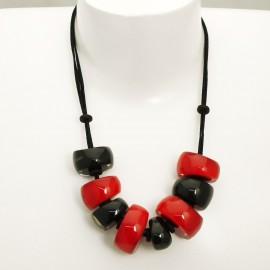 Collier fantaisie noir et rouge résine Zsiska réglable -