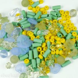 Assortiment de perles fantaisie multicolores