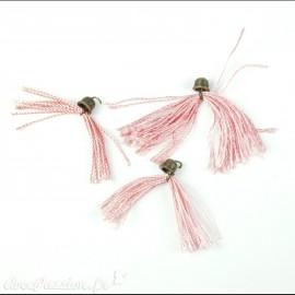 Apprêt Pompon en fil rose