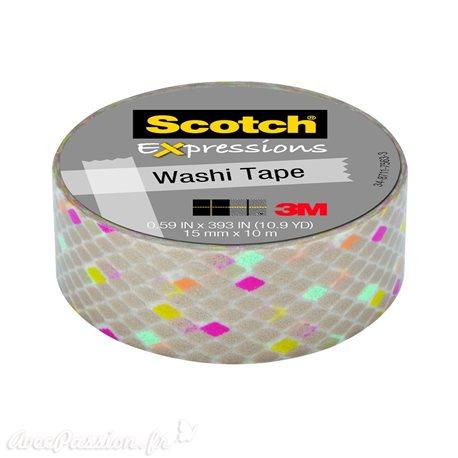 Masking tape arlequin sur fond taupe brillant