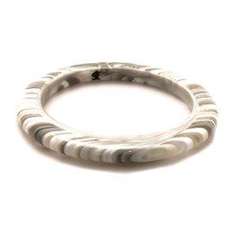 Bracelet fantaisie jonc Sobral créateur résine gris blanc --