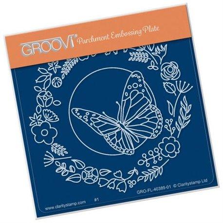 Groovi gabarit traçage parchemin couronne fleurs et papillon