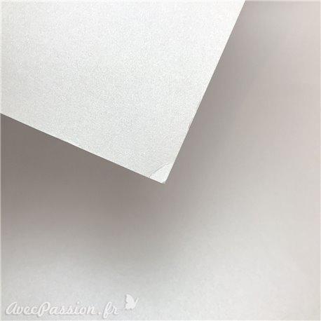 Papier cartonné couleur blanc perle épais type bristol métallique