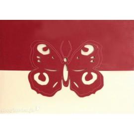 Carte postale papillon bordeaux découpe laser