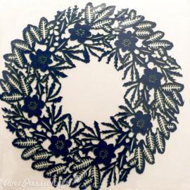 Carte postale fleurs couronne fleurs découpe laser