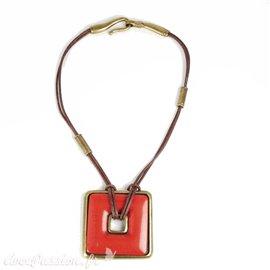 collier-fantaisie-lien-de-cuir-marron-40-cm-medaillon-ca-bijou-createur-ubu-paris-ref-00233