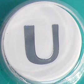 Perforatrice alphabet lettre majuscule U 6x8mm
