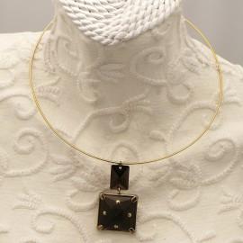 collier-fantaisie-vogler-torque-dore-or-medaillon-carre-s2-bijou-createur-ref-00534
