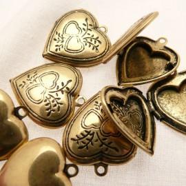 Perle métal médaillon coeur doré