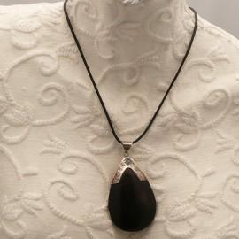 collier-fantaisie-lien-noir-45-cm-medaillon-argent-et-bois-s-bijou-createur-manouk-ref-00589