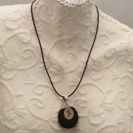 collier-fantaisie-medaillon-argent-et-pierre-de-lave-s30-bijou-createur-ref-00632